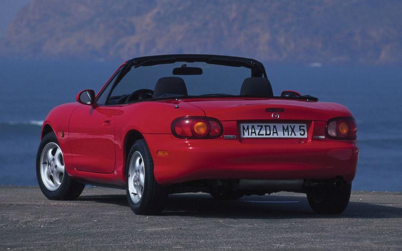 https://www.topmiata.com/wp-content/uploads/2018/04/1-Mazda-MX-5-Miata-Roadster-1998.jpg